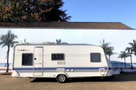 Hobby Exclusieve 560KMFe, 3 stapelbed, airco en mover